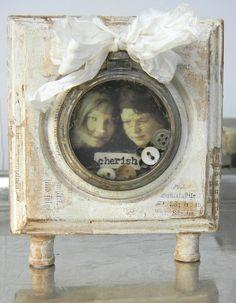 Shelly Hickox: tim holtz pocket watch http://shellyhickox.blogspot.com/2012/03/inspiration-emporium-pocket-watch.html#