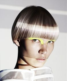 Short Blonde straight coloured multi-tonal bowl-cut bob avant-garde womens Haircut