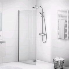 We are specialists in one area: The bathroom. Where we strive to develop the best products in the bathroom furniture, bath, shower and toilet, piece by piece, without losing the overall look. Kleiner Pool Design, House 2, Pool Designs, Bathroom Furniture, Bathroom Ideas, Toilet, Sink, Bathtub, Curtains