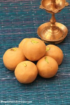 besan ladoo - tasty and easy to make dessert with gram flour  #indianfood #food #recipes #vegetarian #dessert #sweet