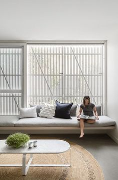 Australian Interior Design Awards - Halo House by Breathe Architecture Interior Design Awards, Modern Interior Design, Halo House, Decoration Inspiration, Large Homes, Home Decor Trends, Living Room Furniture, Day Bed Living Room, Family Room
