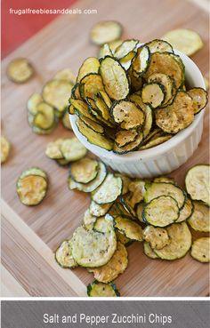 Chips de calabacín horneado con sal y pimienta!