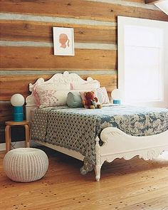 Room : Cozy Girl Room With Rough Wood Walls Also Varnished Wooden Floor Plus Clasic Style Wooden Bed Also Puffy Small Fabric Seats Design Ideas: Amazing Girls Room Design Ideas Girls Room Design, Cabin Chic, Cool Kids Rooms, Traditional Bedroom, Teen Girl Bedrooms, Little Girl Rooms, Interior Exterior, Room Themes, Bedroom Decor