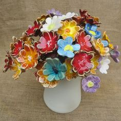Clay Art Projects, Ceramics Projects, Clay Crafts, Ceramic Pottery, Pottery Art, Ceramic Art, Glass Flowers, Ceramic Flowers, Mosaic Pots
