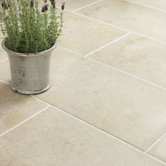 this floor at the beach to make cleaning so much easier. Stone Tile Co Neranjo Limestone Flagstones Stone Kitchen, New Kitchen, Country Kitchen, Kitchen Ideas, Limestone Flooring, Natural Stone Flooring, Kitchen Flooring, Flooring Tiles, Tile Floor