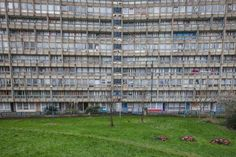 Photos of London's Under-Threat Council Estates - VICE Council Estate, Council House, East London, London City, Barrington Court, Architect Sketchbook, Modern Residential Architecture, Luxury Real Estate Agent, Front Gardens