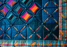 Posts about wall hanging written by kameleonquilt Cathedral Window Patchwork, Cathedral Window Quilts, Cathedral Windows, Quilting Tutorials, Quilting Projects, Quilting Designs, Quilt Design, Puffy Quilt, Rainbow Quilt