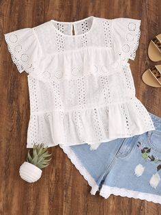 Cheap embroidered top, Buy Quality cute white shirt directly from China white shirt Suppliers: Dotfashion Ruffle Cap Sleeve Buttoned Keyhole Eyelet Embroidered Top Summer Cute White Shirt Peplum Hem Blouse White Outfits, Casual Outfits, Fashion Outfits, Cute White Shirts, Kids Outfits, Summer Outfits, Mode Chic, Lace Tops, Baby Dress