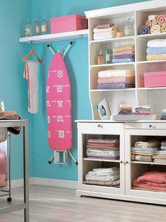 Ironing set up with Ikea Liatorp Hutch ~ Decoración: habitación de costura y plancha