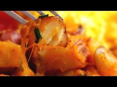 Cheddar Ranch Potatoes - YouTube. I am going to try this and adding bacon bits to it! Yumm!
