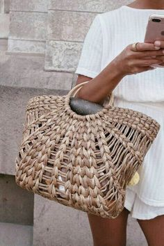 12 Affordable Basket Bags - #Affordable #bags #Basket