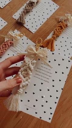 Macrame Earrings, Macrame Design, Rainbow Wall, Macrame Knots, Macrame Patterns, Craft Fairs, Diy Gifts, Diy And Crafts, Wedding Gifts