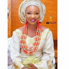 Congratulations Funmi #asoebi #asoebispecial #speciallovers #wedding #makeoverBy @lbvmakeovers #asookeby @addictedbypawprint #beadedjewelryby @tavinbeads