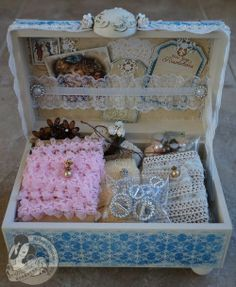 altered cigar box | inside altered cigar box - Place in Time ... | Mini albums & Beyon...