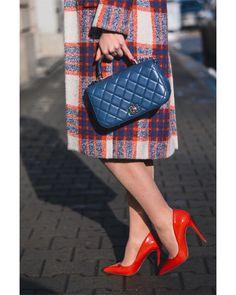 💄💋👠 Erotic, Tote Bag, Bags, Fashion, Handbags, Moda, Fashion Styles, Totes, Fashion Illustrations