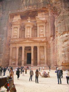 Mooiste plekjes van de wereld ontdekken zoals Petra in Jordanië.