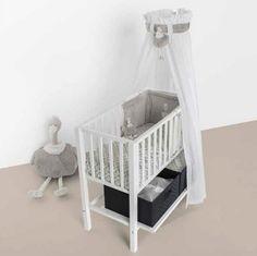 """Ce berceau """"Joy"""" Quax peu encombrant sera idéal les premiers mois de bébé pour le garder près de vous."""