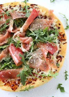 Prosciutto and Arugula Pizza is the perfect combination of salty from the prosciutto and peppery from the arugula. Homemade pizza on Saturdays should be a weekly thing. Arugula Pizza, Prosciutto Pizza, White Pizza Recipes, Dinner Recipes, Make Your Own Pizza, Dinner Party Menu, Great Appetizers, Deep Dish, Main Meals