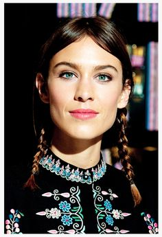 7 Types of Chic Pigtail Braids That Definitely Look Grown Up – Pigtail Hairstyles Pigtail Hairstyles, French Braid Hairstyles, Pigtail Braids, Cool Hairstyles, Beauty Routine Calendar, Beauty Routines, Alexa Chung Style, New Skin, Good Skin