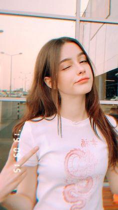 Cute Kawaii Girl, Stylish Girl Pic, Cute Girl Photo, Uzzlang Girl, Girl Face, Woman Face, Beautiful Girl Image, Girls Selfies, Cute Beauty