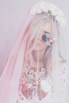 Sitting Pretty - Isobel Badin Styling & Creative Direction - Janneke Storm Photography