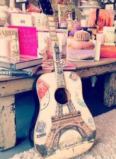 Paris - Eiffelturm - guitar - vintage Love this guitar!