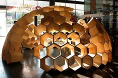 Floating shell platform, shell enclosure, cluster shell, honeycomb shell, tubular shell, building principles - Marinea - oceanic business alliance