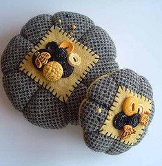 Bee Pincushions