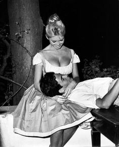 Brigitte Bardot and Jacques Charrier 1959 Photo: Yvon Samuel Bridgitte Bardot, Brigitte Bardot Style, Hollywood Stars, Old Hollywood, Classic Hollywood, Jacques Charrier, And God Created Woman, Portraits, French Actress