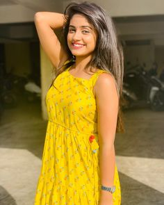 Life is to be enjoyed, not just endured😊 Dehati Girl Photo, Girl Photo Poses, Beautiful Girl Makeup, Beautiful Girl Image, Beautiful Bollywood Actress, Beautiful Indian Actress, Girl Pictures, Girl Photos, Angel Pictures