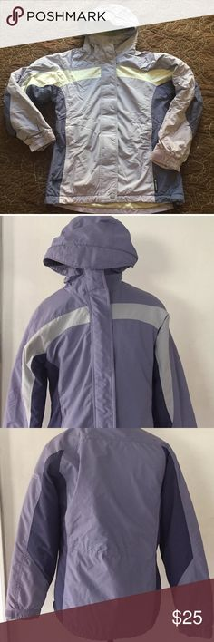 """Columbia Womens Purple Coat Parka Color Block Hood Columbia Womens Purple Coat Parka Color Block Lined Hooded Small Coat shows little wear. Small dot of pink on the right lower sleeve. Multiple pockets inside and out. Measurements  Length 26"""" Armpit to armpit 20"""" x 2= 40"""" Columbia Jackets & Coats Puffers"""