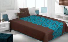 Hnědý oboustranný přehoz na postel s tyrkysovými vzory Ottoman, Ornament, Chair, Bed, Furniture, Home Decor, Recliner, Homemade Home Decor, Decorating