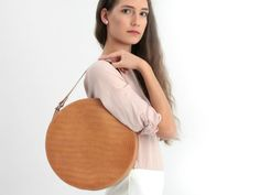 Handmade Leather Crossbody Bags, Totes, Circle Bags by BogaBag Leather Crossbody Bag, Leather Purses, Leather Bags, Circle Purse, Minimalist Bag, Round Bag, Beautiful Handbags, Branded Bags, My Bags