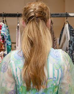 HAIR HOW-TO: GRECIAN GODDESS TRESSES