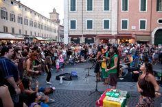 Ferrara Buskers Festival 2012: gli artisti di strada e la città
