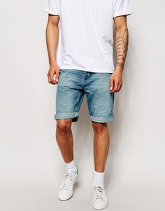 "Denim shorts by Pull&Bear Non-stretch denim Mid-wash Concealed button fly Five pocket styling Turn-up hem Straight fit - cut with a straight leg Machine wash 100% Cotton Our model wears a 32""/81cm regular and is 188cm/6'2"" tall"