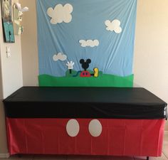 Disney Party ideas: Mickey Mouse table with clubhouse backdrop 2 Birthday, Mickey Mouse First Birthday, Mickey Mouse Baby Shower, Mickey Mouse Clubhouse Birthday Party, Birthday Ideas, Theme Mickey, Fiesta Mickey Mouse, Mickey Mouse Parties, Mickey Party