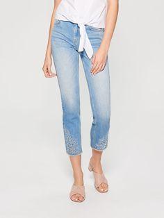 Capri Pants, Jeans, Fashion, Moda, Capri Trousers, Fashion Styles, Gin, Fashion Illustrations, Fashion Models