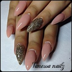 Just how I like my nails. Solid color, with one POP finger. Glam Nails, Hot Nails, Fancy Nails, Beauty Nails, Hair And Nails, Nude Nails, Fabulous Nails, Gorgeous Nails, Pretty Nails