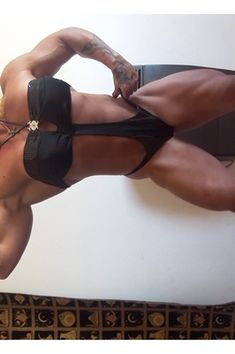 A picture of Zsuzsanna Toldi . This site is a community effort to recognize the hard work of female athletes, fitness models, and bodybuilders. Lift And Carry, Female Athletes, Biceps, Glutes, Calves, Fitness Models, Health And Fitness, Baby Cows, Tone Calves