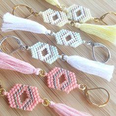 Je profite de mon escapade à la poste pour vous remercier pour vos commandes #jenfiledesperlesetjassume #perlesandco #perles #perlesmiyuki #miyuki #miyukibeads #beads #beadwork #brickstitch #bouclesdoreilles #earrings #pastels #alittlemarket
