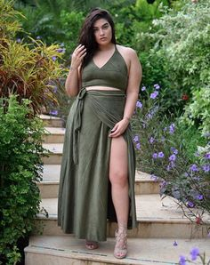 long maxi skirt Curvy fashion - African Styles for Ladies Plus Size Dresses, Plus Size Outfits, Nice Dresses, Ivory Dresses, Looks Plus Size, Plus Size Model, Curvy Women Fashion, Plus Size Fashion, Womens Fashion