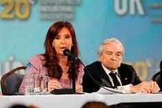 """""""Los trabajadores que ganen menos de $ 35 mil no pagarán ganancias sobre el medio aguinaldo"""" http://www.ambitosur.com.ar/los-trabajadores-que-ganen-menos-de-35-mil-no-pagaran-ganancias-sobre-el-medio-aguinaldo/ La presidenta Cristina Fernández de Kirchner anticipó hoy que """"los trabajadores que perciban menos de $ 35.000 no pagarán impuesto a las ganancias sobre el aguinaldo que perciban en el mes de diciembre"""".     """"Los que cobren menos de 35.000 pesos no pagar�"""