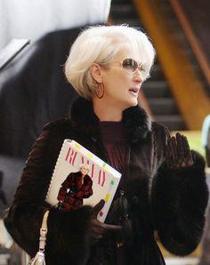 Meryl Streep Would Do a Devil Wears Prada Sequel Bob Hairstyles 2018, Short Curly Haircuts, Short Wavy Hair, Curly Hair Cuts, Pixie Haircut, Short Hairstyles For Women, Hairstyles Haircuts, Straight Hairstyles, Curly Hair Styles