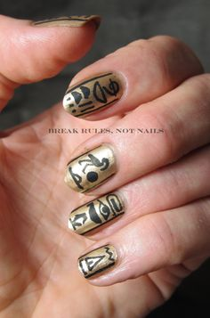 Egyptian nail art