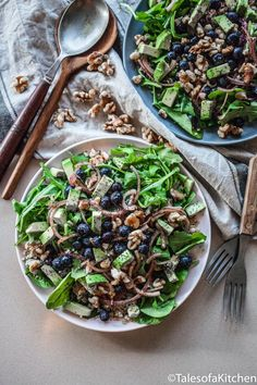Tales of a Kitchen / Spinach and blueberry quinoa salad with poppy seed dressing