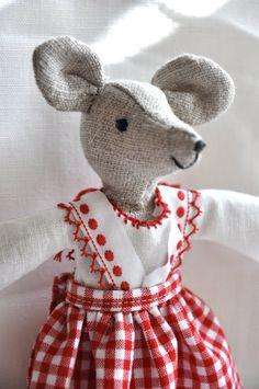 linen mouse