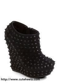 Visit for more cute heels.
