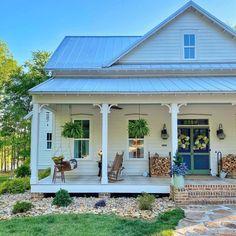 Brittany J. Smith | Instagram Farmhouse Homes, Farmhouse Style, Farmhouse Decor, House Without Shutters, Farmhouse Addition, Southern Living Magazine, White Home Decor, White Houses, Better Homes And Gardens