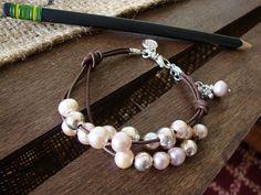 Floating Pearls Leather Bracelet